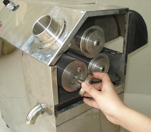 Video Máy ép nước mía siêu sạch