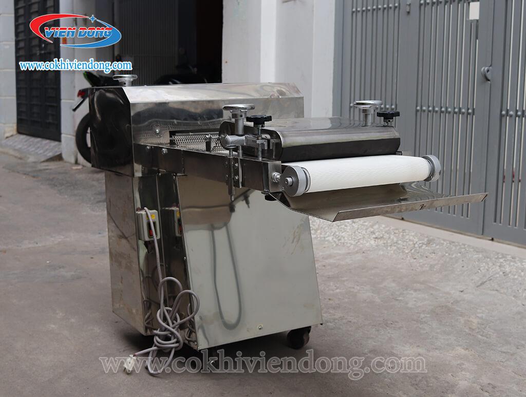 Máy se bột mì Việt Nam 1 băng tải