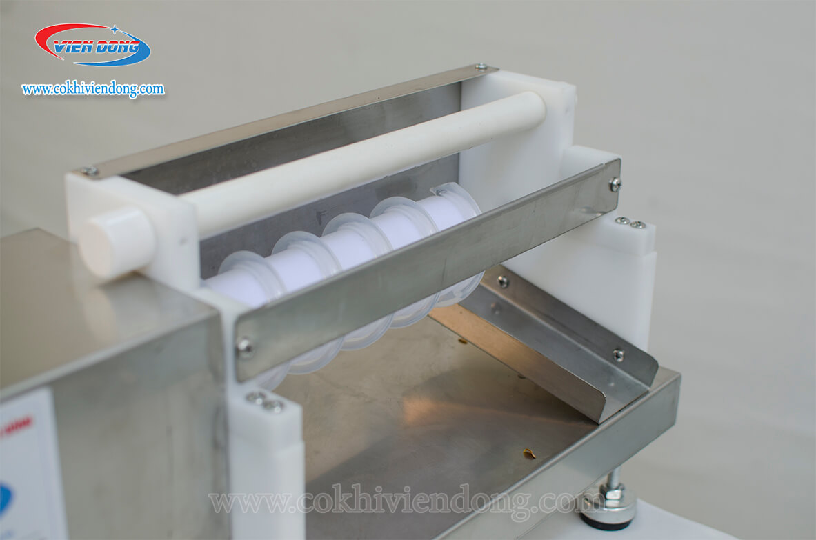 Bán máy lột trứng cút