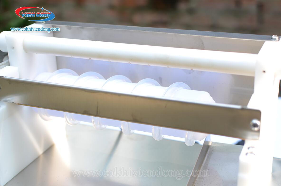 Máy lột trứng cút mini