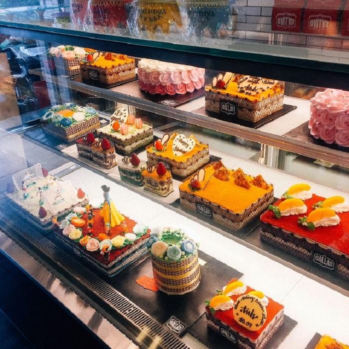 giá tủ trưng bày bánh ngọt