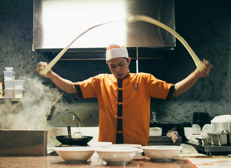 ưu tiên không gian cho đầu bếp nấu