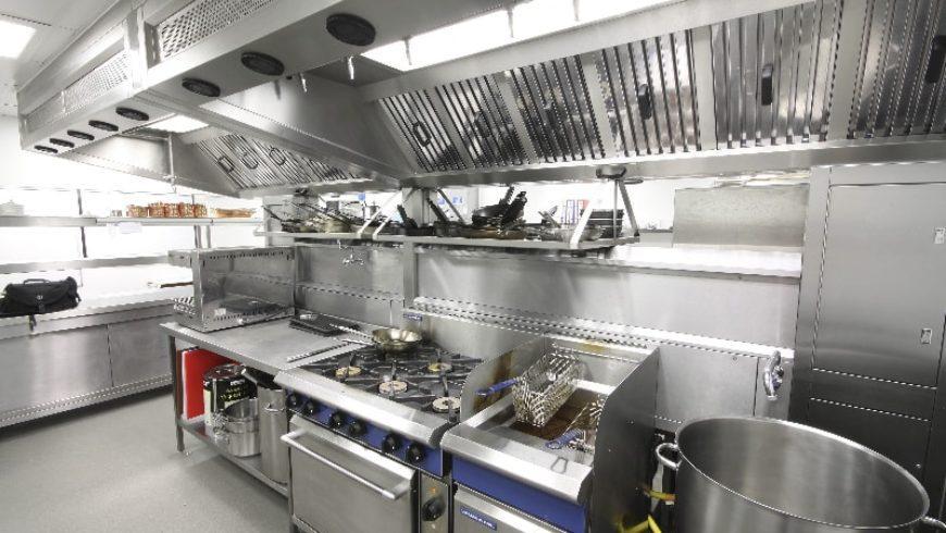 4 quy chuẩn khi thiết kế bếp nhà hàng hải sản ven biển