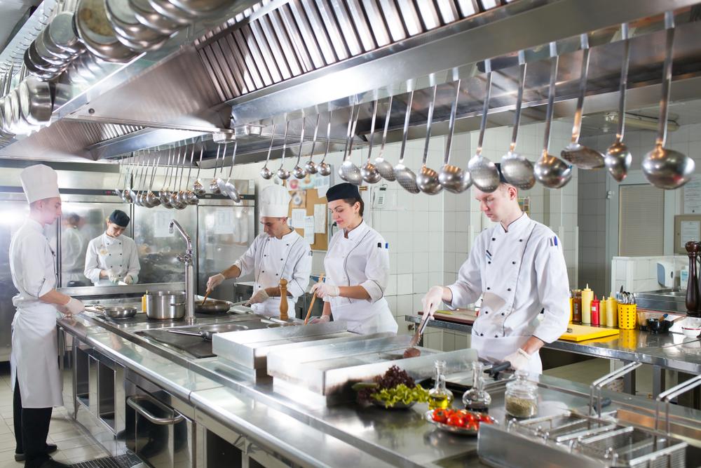 Thiết kế bếp khách sạn 2 sao, bắt buộc phải quan tâm tới 3 hệ thống này!