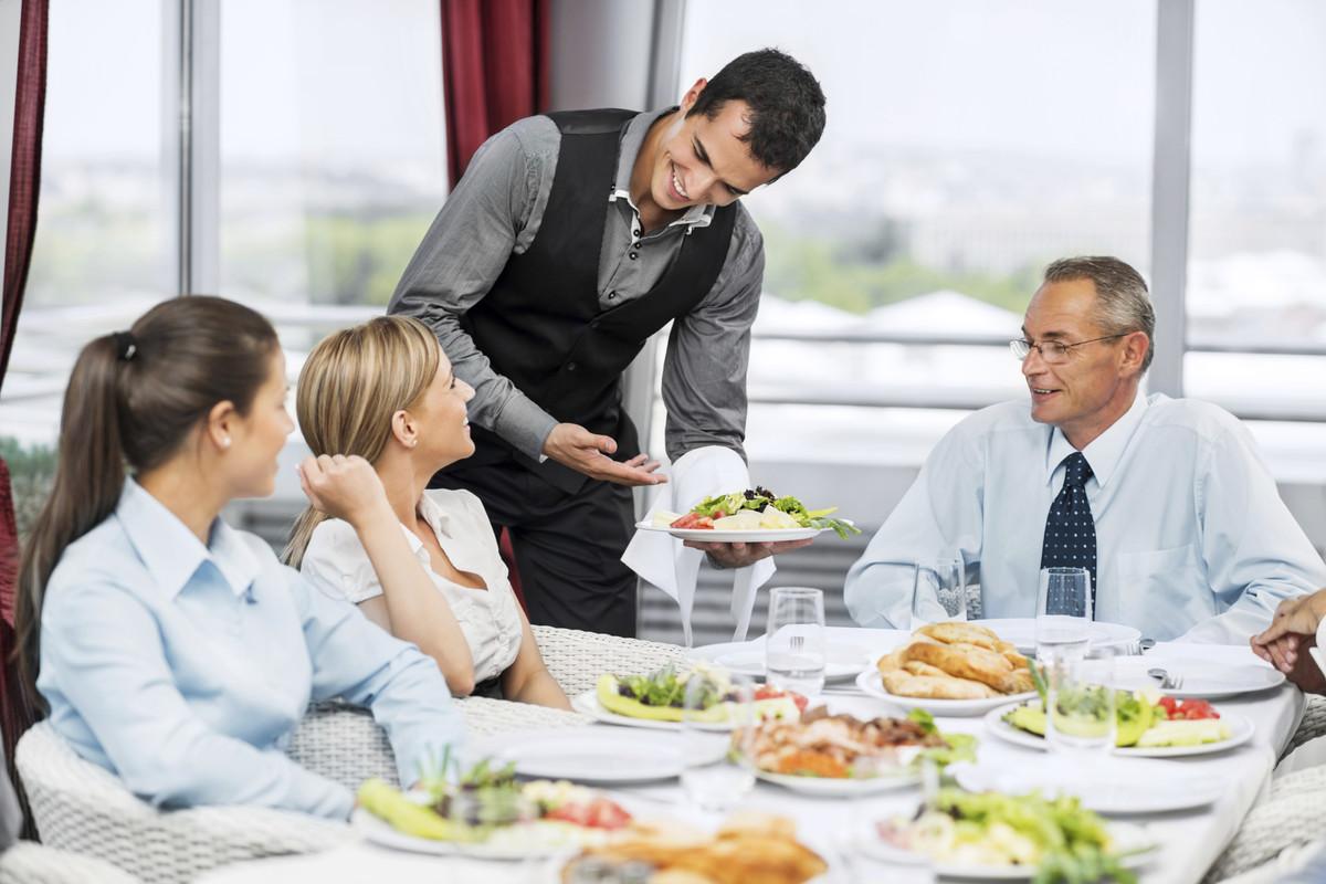 phục vụ khách