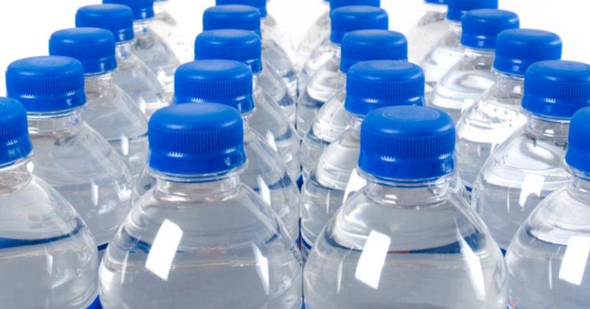 Đóng nắp chai nhựa