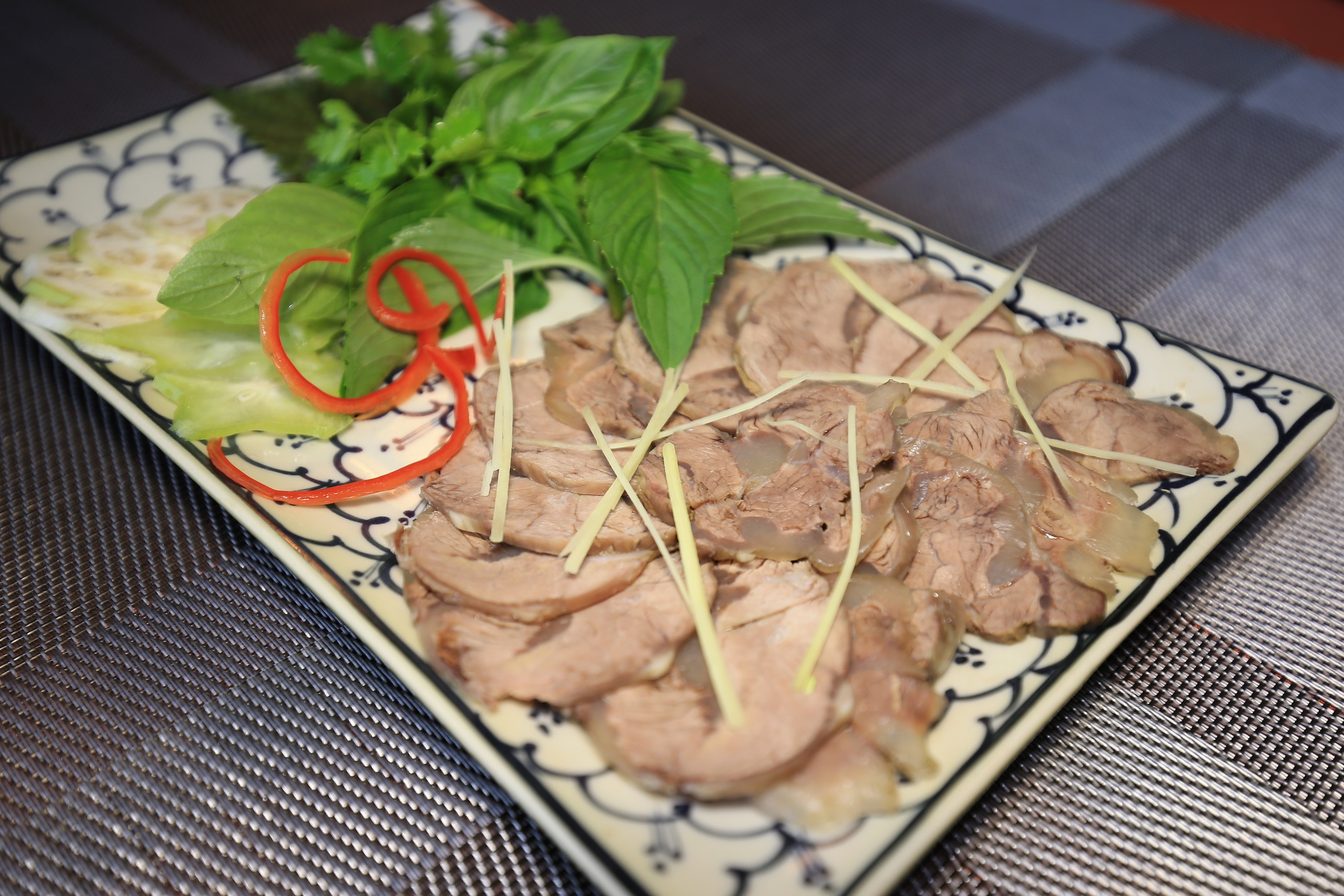 bắp bò luộc - các món ngon với bắp bò