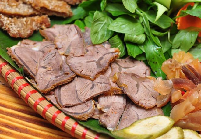 thịt bò luộc