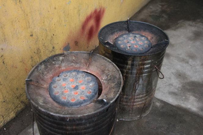 Nấu bằng than củi có nhiều hạn chế