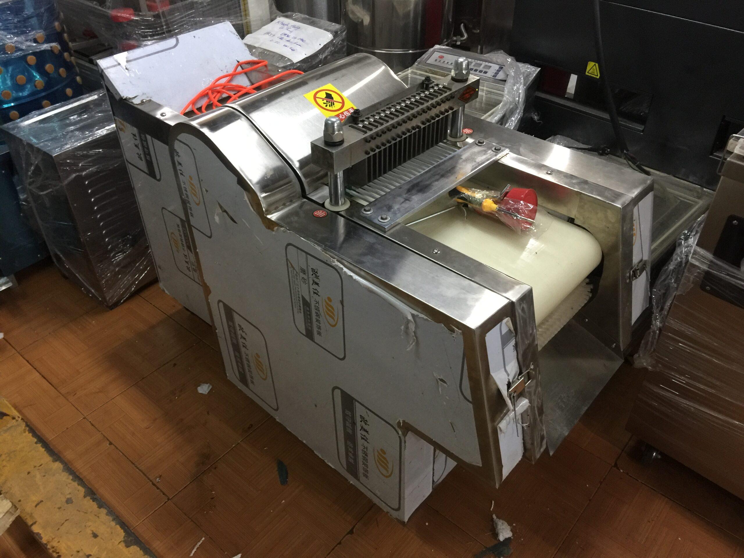 Băng tải của máy chặt thịt gà