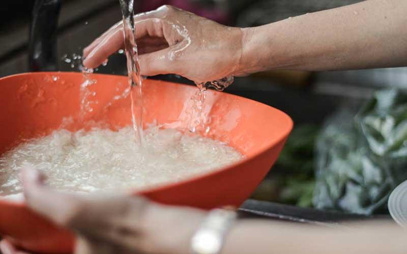 Vo gạo bằng tay